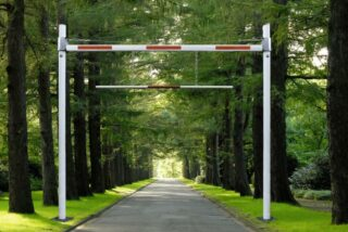 Höhenbegrenzungssperre HBS starr zum Einbetonieren, Stahl, 9250x4000 mm